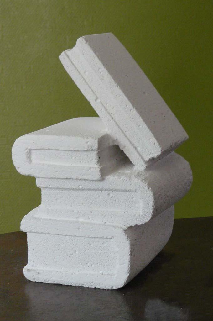 Sculpture : livres sculptés en béton cellulaire